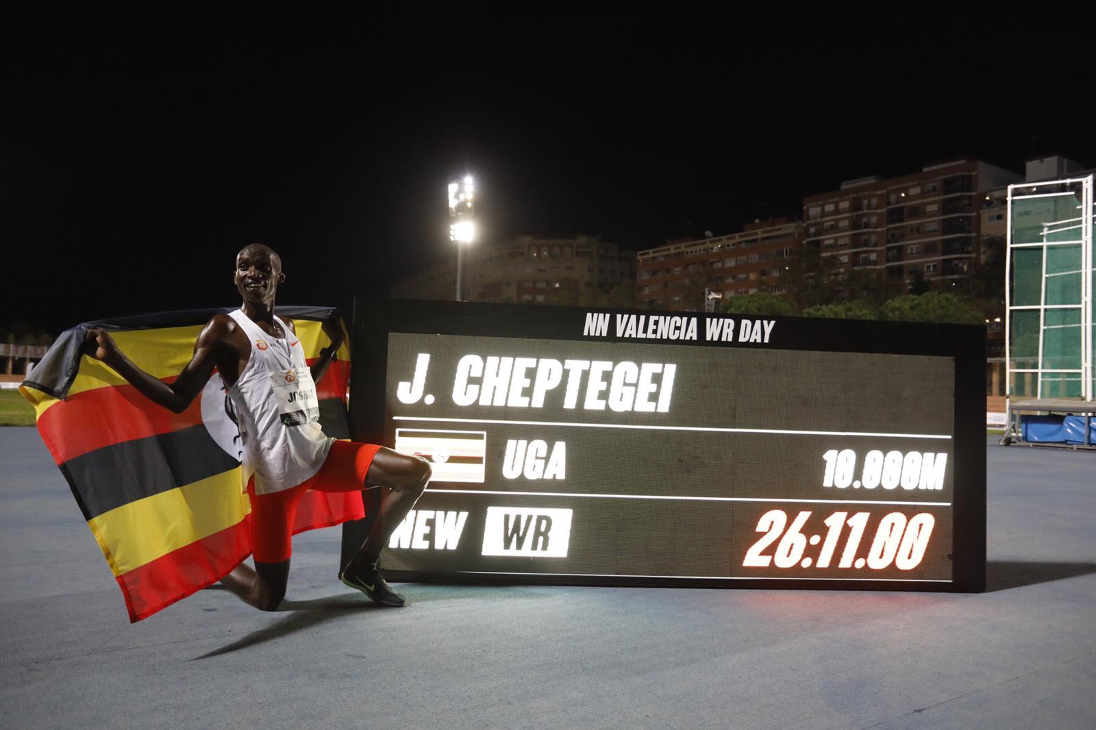Cheptegei y Gidey récords del mundo en una noche mágica en Valencia